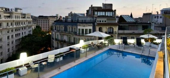 A roof top swimming pool at the NH Collection in Barcelona