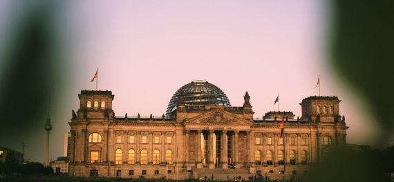 See the Reichstag
