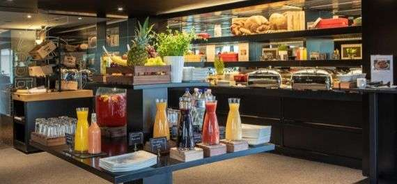 The breakfast buffet at the Mercure Budapest Korona