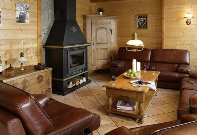 The cosy chalet living room in Chalet Les Rouses