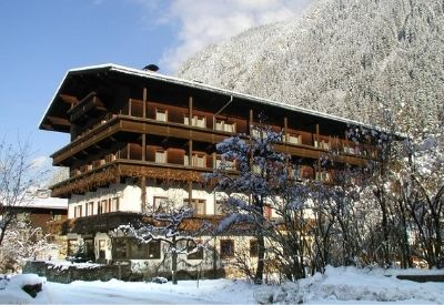 The outside of Hotel Strolz in Mayrhofen during winter