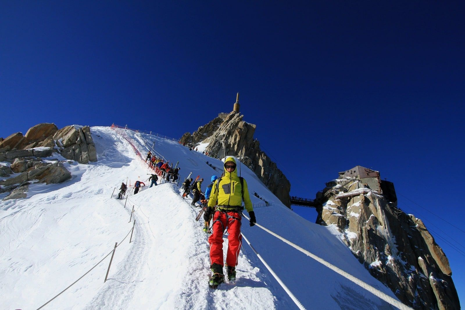 group of people at the top of the vallee blanche in Chamonix
